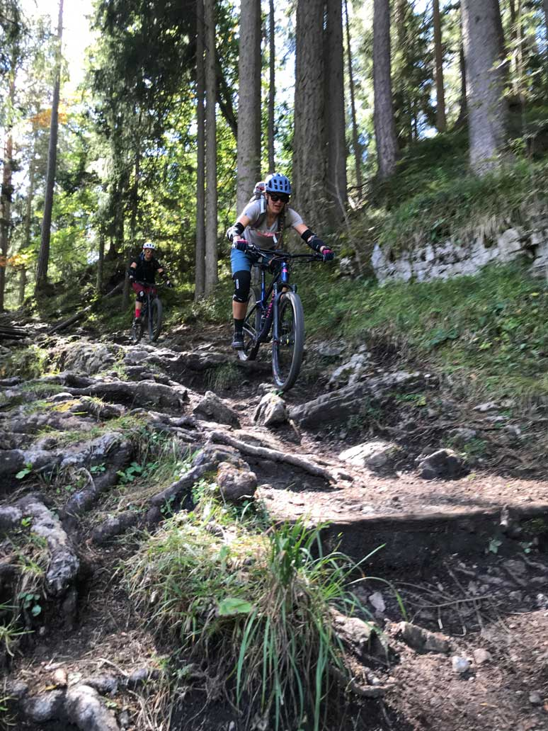 trails-mountainbiken-tiroler-zugspitz-arena-munichmountaingirls