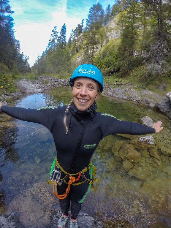 tza_action_munichmountaingirls_canyoning_Melanie3