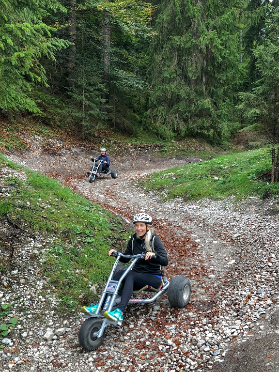 tza_action_munichmountaingirls_mountainkart_Melanie_Bea