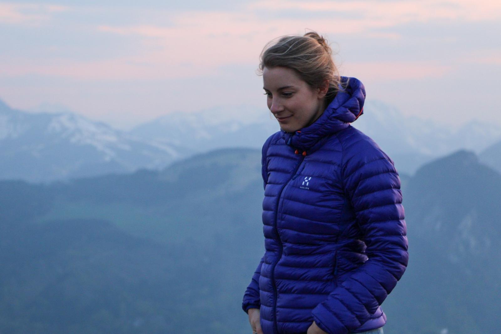 Munich Mountain Girl Lisa Lotter in den Bergen