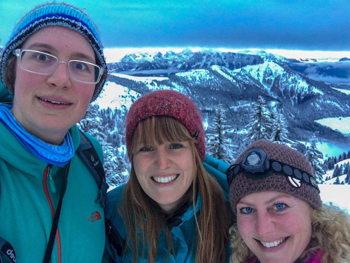 Munich Mountain Girls Stefanie, Dana, Nicole auf der Hochries MMGVenture Sonnenaufgang