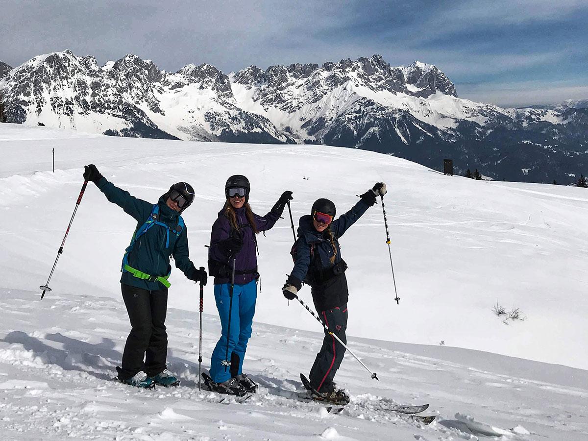 Munich Mountain Girls beim Skifahren