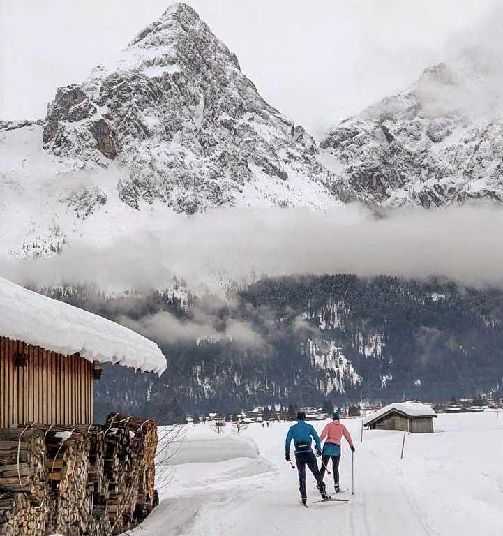 tiroler-zugspitz-arena-langlaufen-loipe-berge