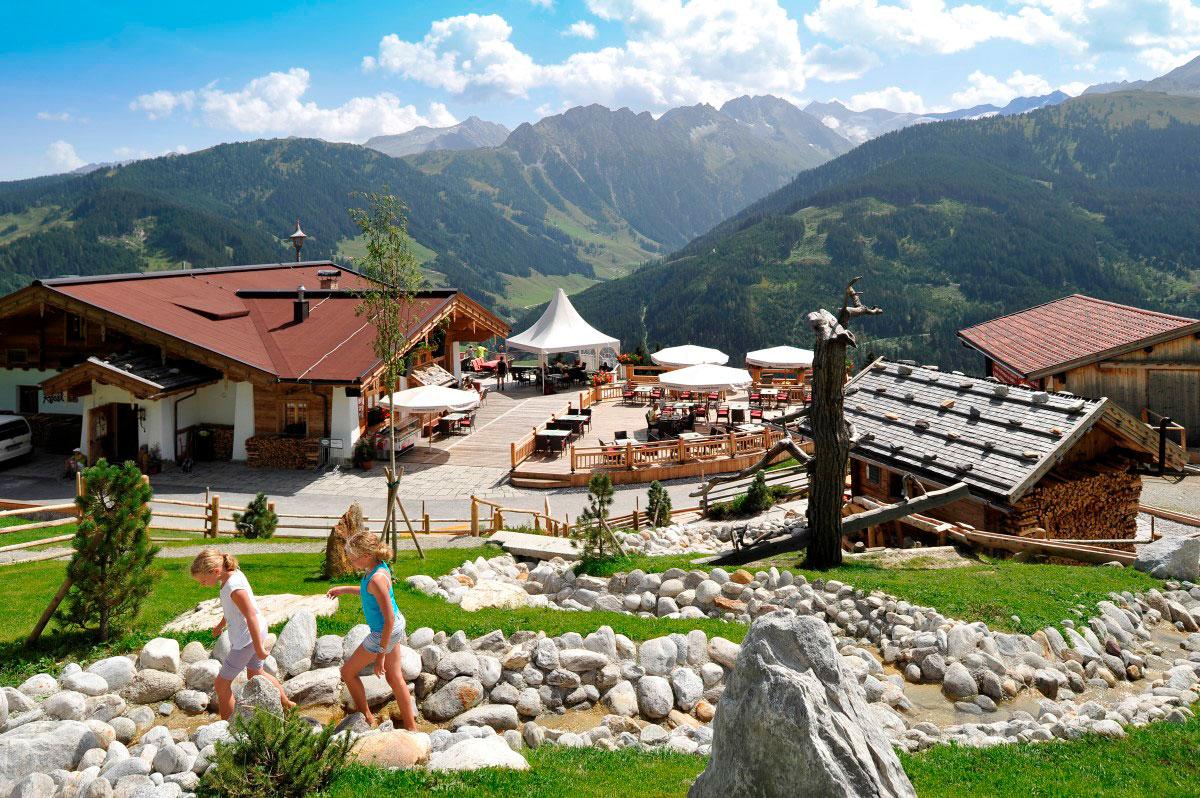Heiraten in den Bergen: In der Rösslalm im Zillertal
