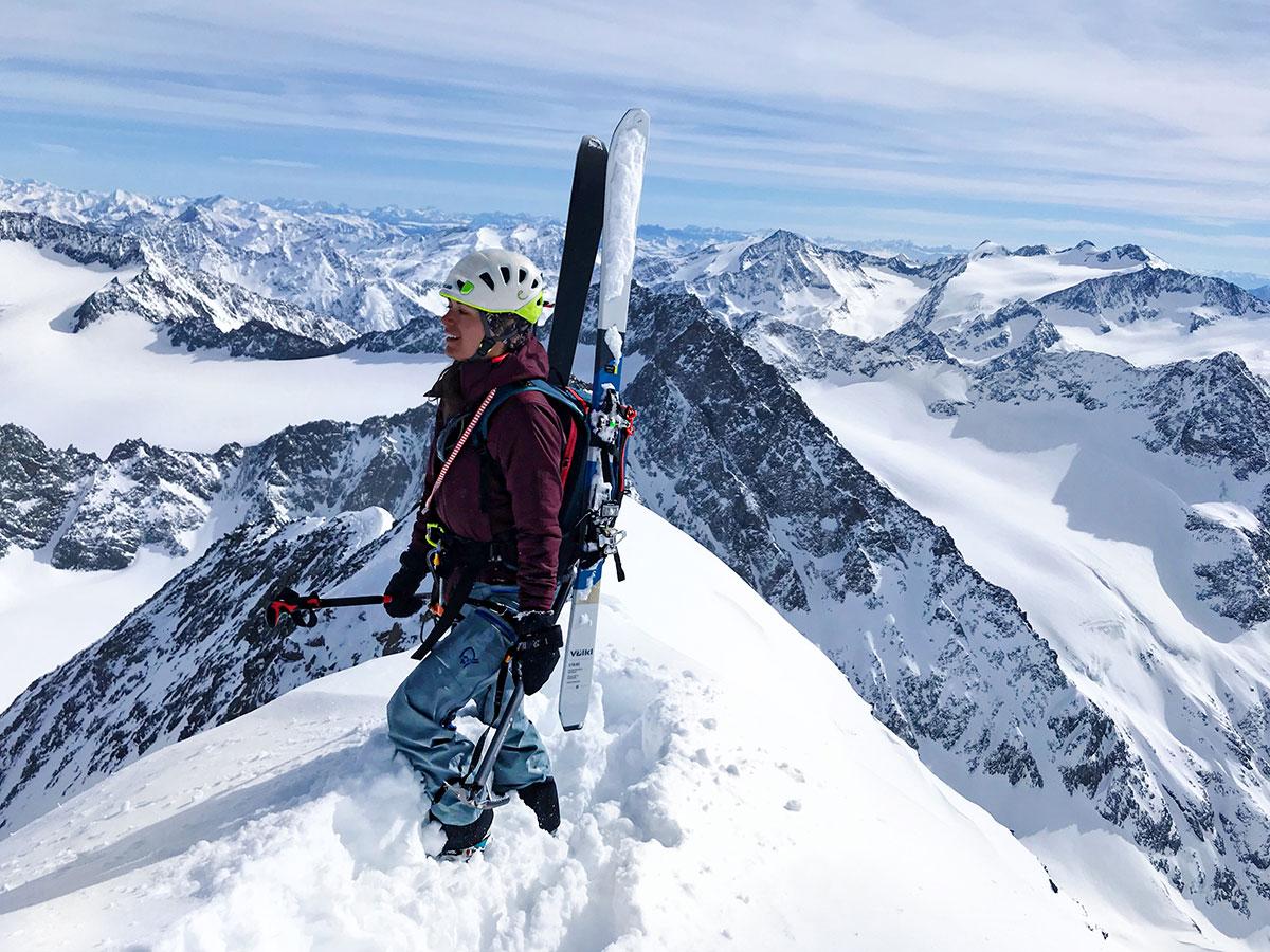 Munich Mountain Girl Hanna auf Skihochtour auf den Schrankogel