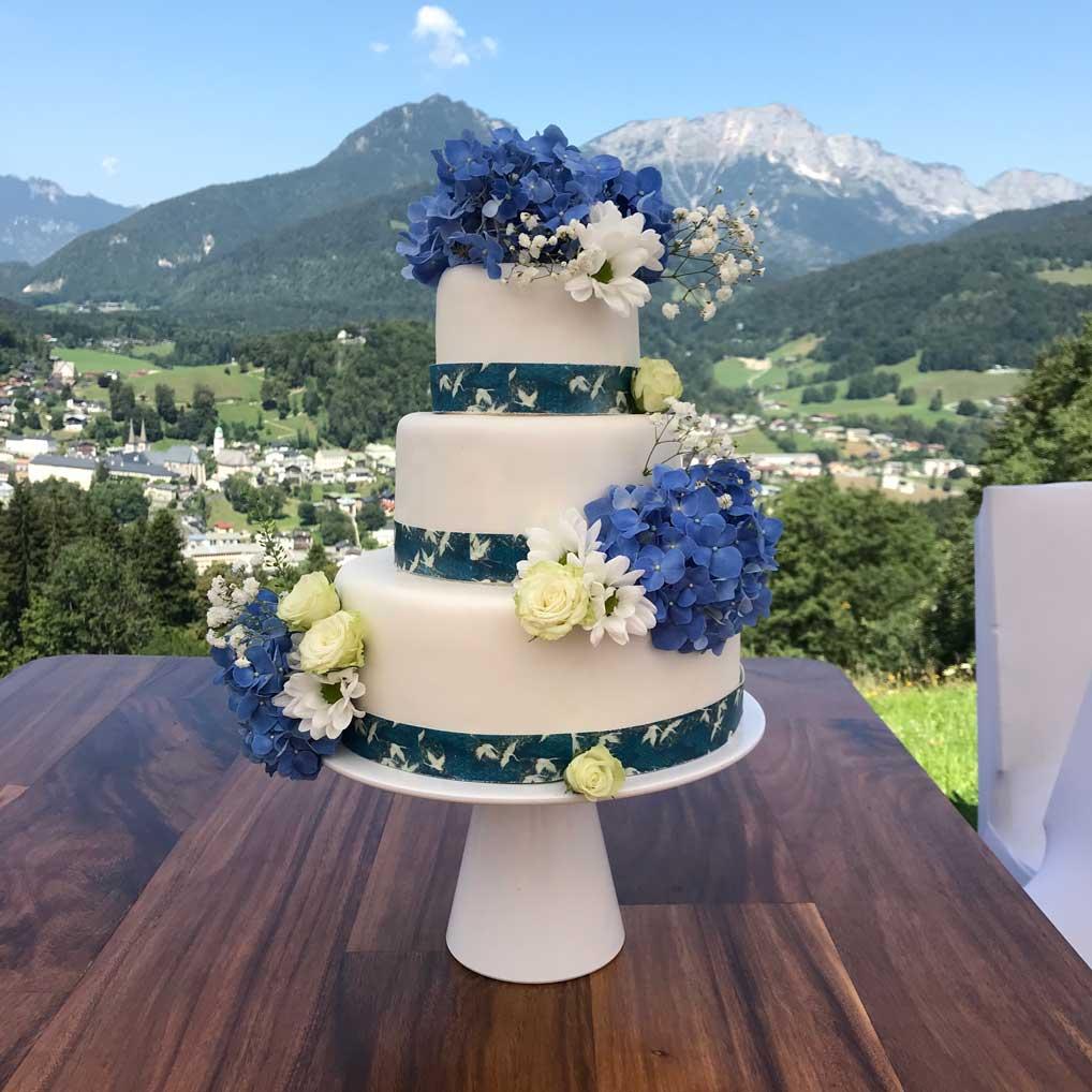 heiraten-berge-salzbergalm-kuchen