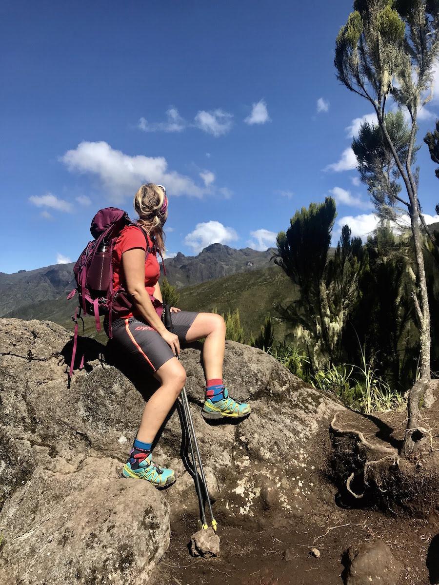 kilimandscharo tour munich mountain girls ausblick