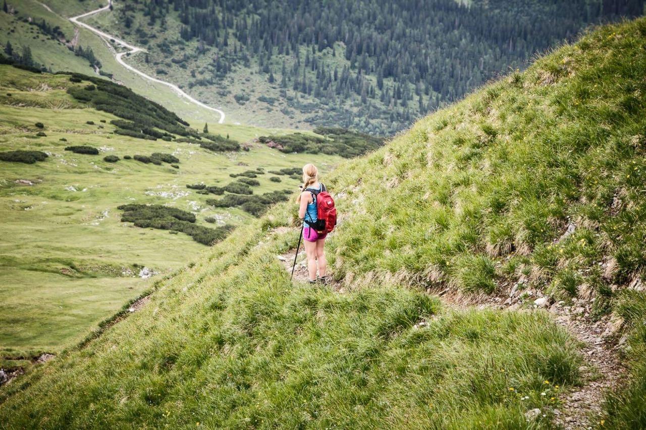 Christina Rottmair beim Wandern