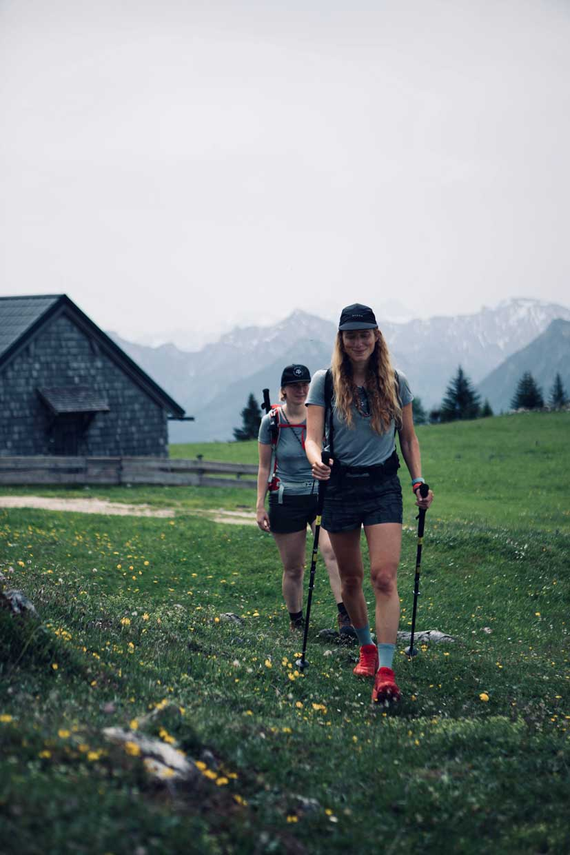 berge-seen-trail-salzkammergut-wandern-christine-munichmountaingirls