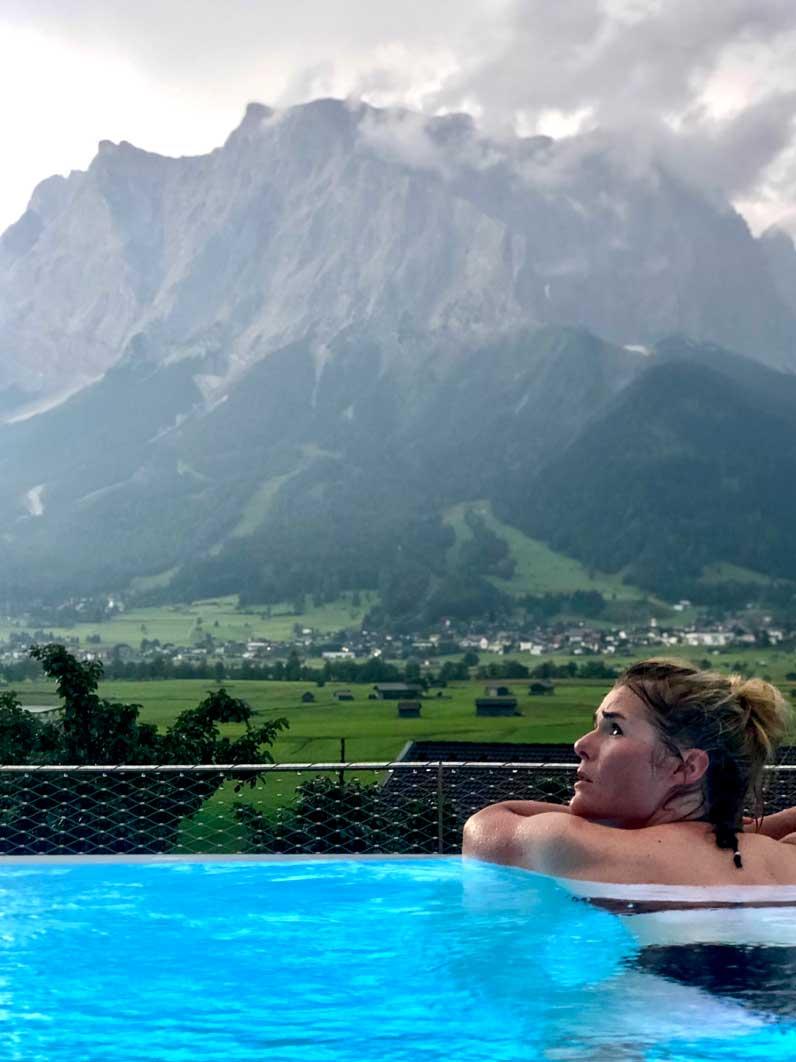 pool-bergblick-tza