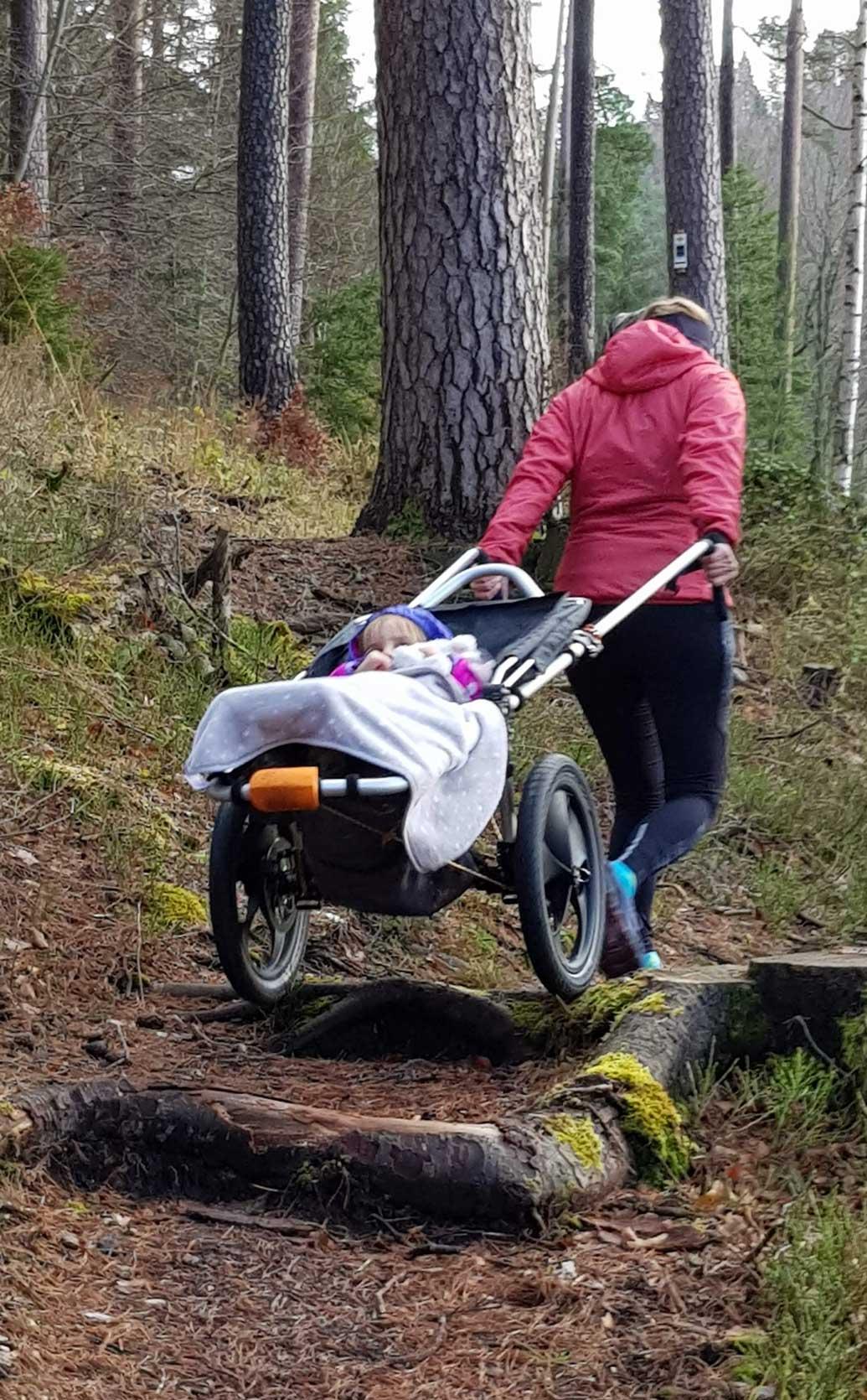 outdoor-kinderwagen-Wurzel