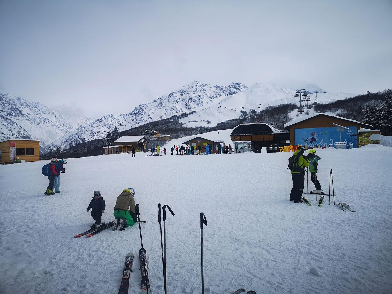 Bergfreundinnen-Skitouren-Georgien-Skigebiet Tetnuldi in Mestia