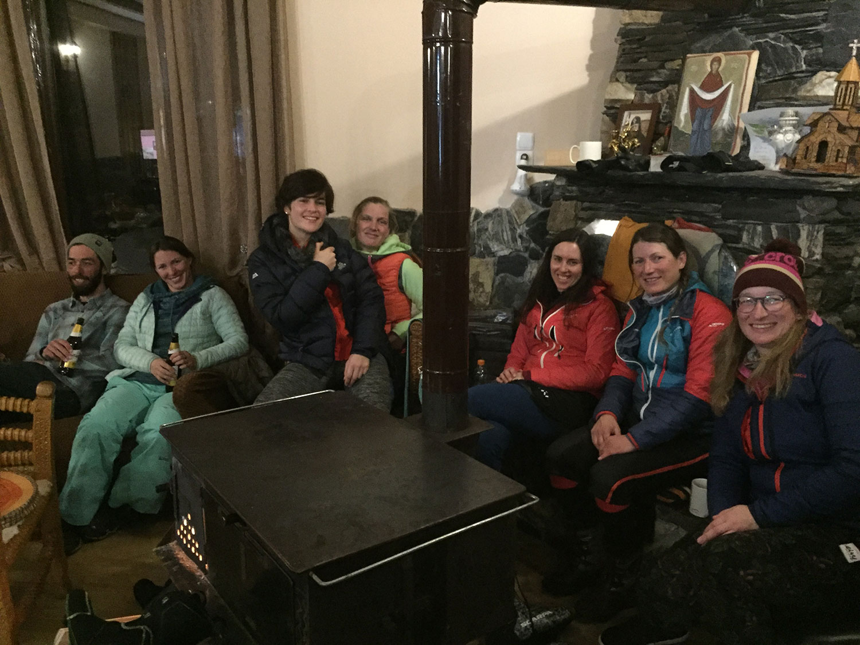 Skitouren-Georgien-guide-lena-maia-tina-helen-tanja-hanna-ushguli