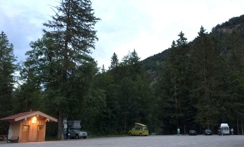 parkplatz-camper-berge